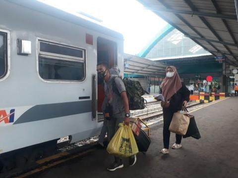Jelang Larangan Mudik, Penumpang di Stasiun Cirebon Masih Normal