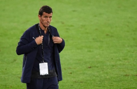 Kalah dari Barcelona, Valencia Pecat Pelatih Javi Garcia