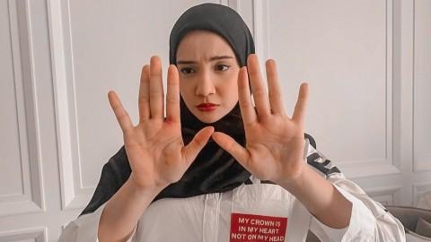 Tangan Zaskia Sungkar Terluka, Irwansyah Panik