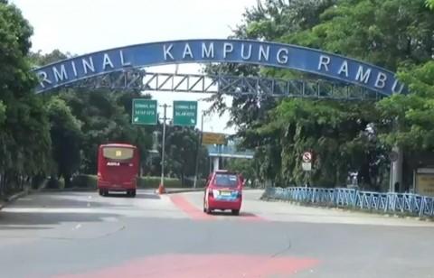 Kapasitas Penumpang Bus di Terminal Kampung Rambutan Dibatasi