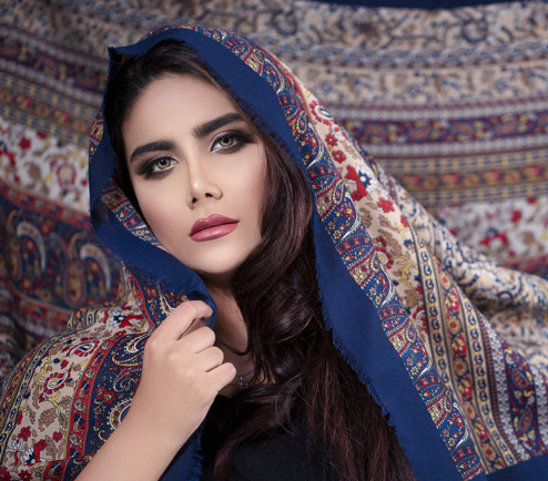 Natural dan bold make up look ini adalah look favorit yang selalu bisa dimanfaatkan untuk momen-momen spesial seperti lebaran.  (Foto: Ilustrasi. Dok. Freepik.com)