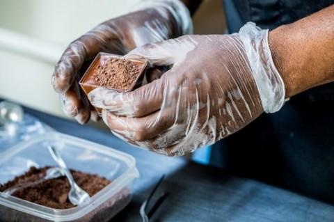 Mereguk Untung dari Berbisnis Cokelat Jelang Lebaran