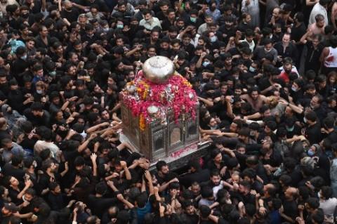 Warga Syiah Pakistan Ngotot Lakukan Prosesi Keagamaan di Tengah Pandemi
