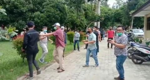 Jurnalis Metro TV Lampung Diintimidasi Saat Meliput di Kantor ULP Lambar
