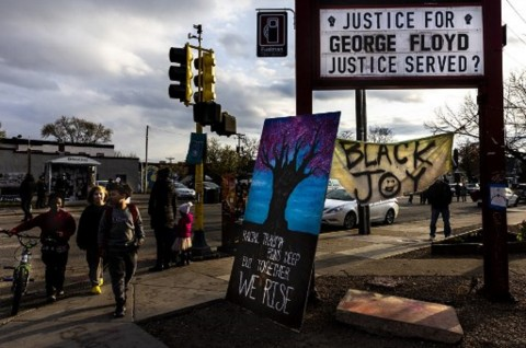 Derek Chauvin Ajukan Persidangan Baru Kasus George Floyd