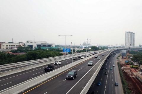 Jalan Tol Layang Jakarta-Cikampek Ditutup Pukul 24.00
