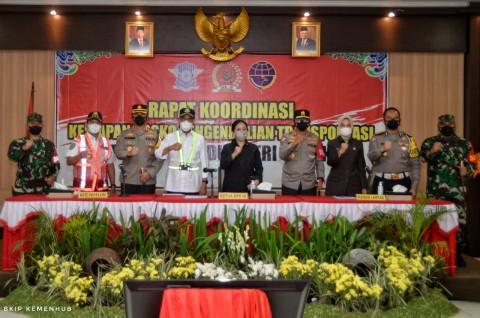Menhub dan Ketua DPR Tinjau Kesiapan Pengendalian Transportasi di Cirebon