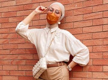 Okky menekankan agar jika ingin pergi ke acara bukber dengan teman-teman sebaiknya menggunakan pakaian yang sopan dan santun, serta pakaian yang tertutup.  (Foto: Dok. Instagram/@okkyasokawatireal)