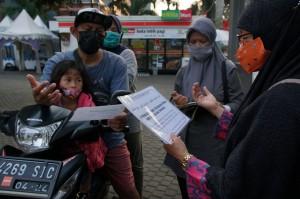Pandemi, Masjid di Tanah Kusir Buka Layanan Zakat Drive Thru