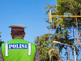 Polisi Pertebal Pengamanan di Pos Kedungwaringin Bekasi