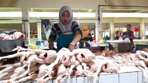 Kenaikan Harga Daging Ayam Diprediksi Hingga H-1 Lebaran