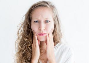 5 Dampak Stres pada Wajah, Salah Satunya Bikin Keriput