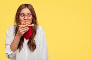 5 Makanan dan Minuman yang Bikin Asam Lambung Naik