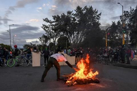 Korban Tewas Demo Anti-Pemerintah Kolombia Jadi 42 Orang
