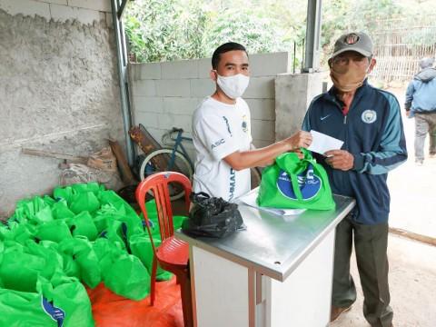 Ahmad Sahroni Center Salurkan Ribuan Paket Sembako
