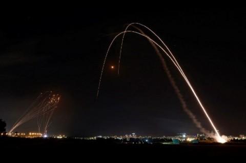 Israel Sebut Hamas Telah Luncurkan 1.000 Roket dari Gaza