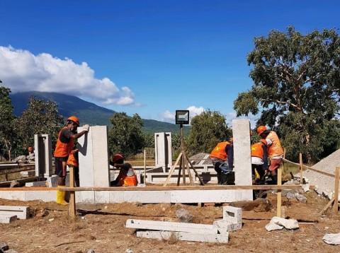 Ribuan Rumah Instan Korban Bencana Rampung Akhir September