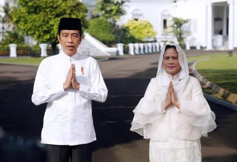 Jokowi-Ma'ruf Silaturahmi Lewat <i>Video Call</i>