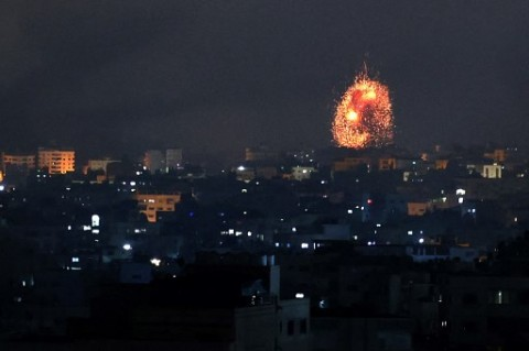 Israel Tingkatkan Serangan Udara ke Gaza, Libatkan Pasukan Darat