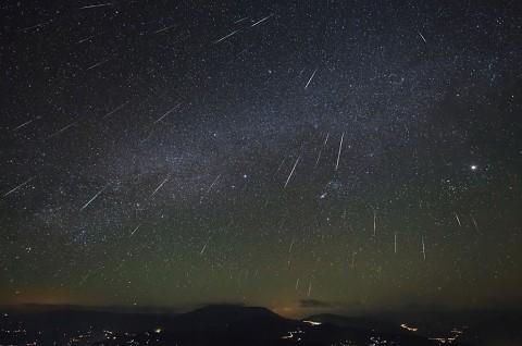 Hujan Meteor Langka Muncul Pertama Kali Tahun 2021 ini