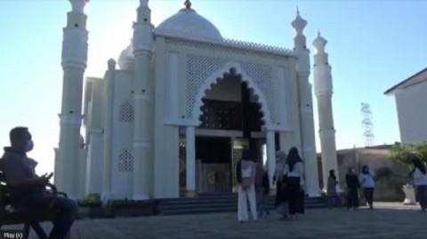 Jadi Altenatif Wisata, Taj Mahal di Gresik Ramai Dikunjungi