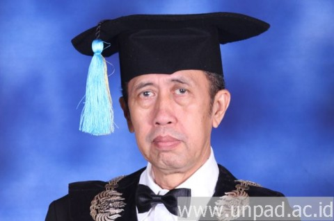 Guru Besar Farmakologi Unpad Ahmad Muhtadi Tutup Usia