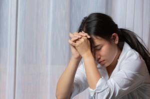 Waspada Anak Lakukan 'Cutting' Saat Tertekan