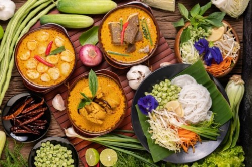 Apakah bahaya makan santan terlalu banyak saat Lebaran. (Foto: Ilustrasi/Freepik.com)