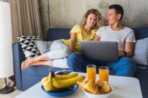 5 Film Romantis buat Habisin Waktu Lebaran di Rumah Aja