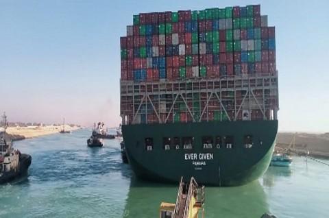 Mesir Mulai Perluas Bagian Selatan Terusan Suez