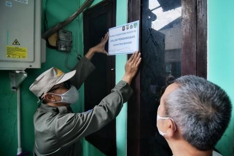 Rumah Warga DKI yang Pulang Mudik Ditempel Stiker Khusus
