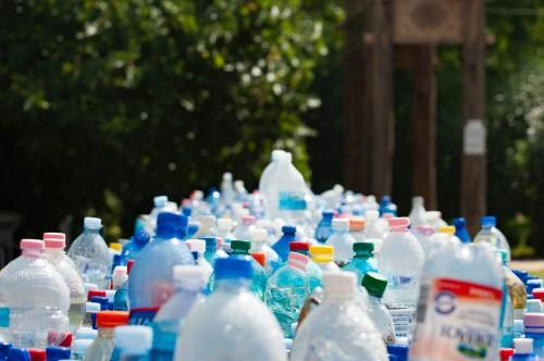 Butuh enam tahun untuk membangun pulau hotel dari botol plastik. (Ilustrasi/Pexels)