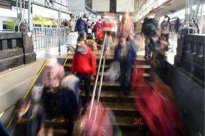 Arus Balik di Stasiun Pasar Senen Masih Ramai