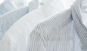 4 Bahan Alami Menghilangkan Noda Deodoran di Pakaian