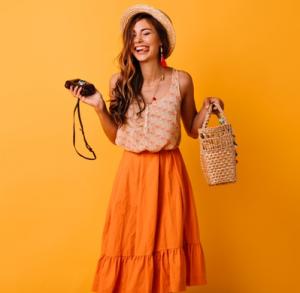 Inspirasi Gaya Fashion Monokrom untuk OOTD Akhir Pekan