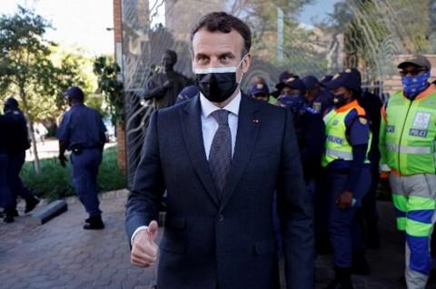 Kecam Kudeta Mali, Macron Ancam Tarik Pasukan Prancis