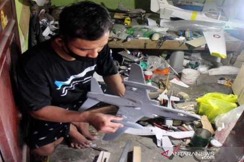 Perajin Miniatur Pesawat Terbang di Boyolali Kebanjiran Pesanan