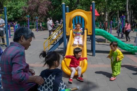 Kebijakan 3 Anak, Warga Tiongkok Tampak Tidak Tertarik