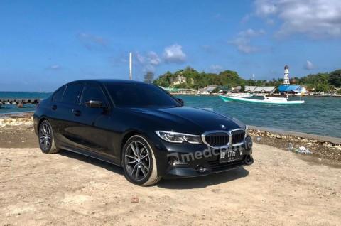'Si Ganteng' BMW 320i Sport, Merapah Trans Sulawesi