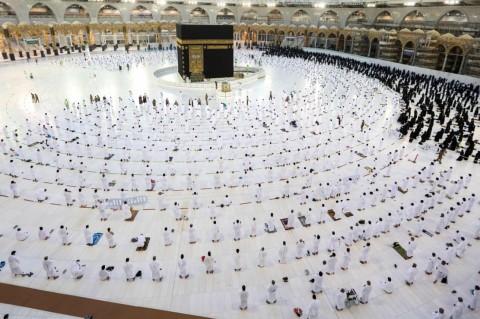 Luhut-Yenny Wahid Bertemu Dubes Arab Lobi Kuota Haji