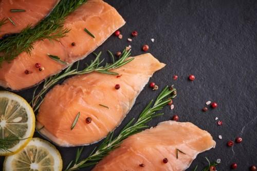 salmon salah satu ikan yang memproduksi kandungan omega-3. (Foto: Ilustrasi Freepik)