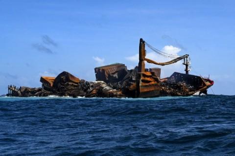 Sri Lanka Bersiap Hadapi Tumpahan Minyak Kapal Kargo Singapura