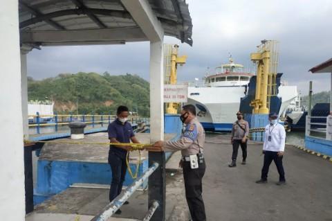 Rusak Ditabrak Kapal Feri, Dermaga Pelabuhan Lembar Lombok Tutup Sementara