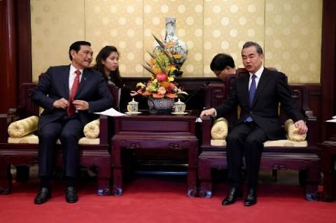 Ke Tiongkok, Luhut akan Bahas Kerja Sama Ekonomi dengan Menlu Wang Yi
