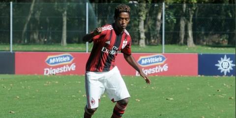 Eks Pemain Milan Bunuh Diri karena Rasialisme