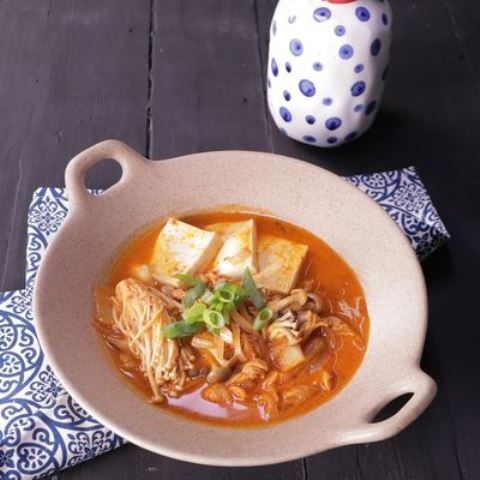 Begini cara membuat kimchi noodle. (Foto: Dok. Endeus)
