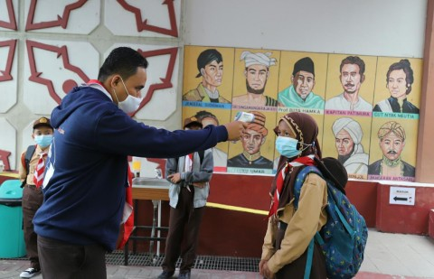 Jokowi Instruksikan Seluruh Guru Harus Divaksinasi Bila Ingin Gelar PTM
