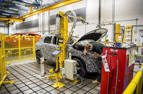 Nissan Gunakan Teknologi Daur Ulang untuk Body Mobil