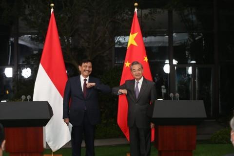 Masuk Babak Baru, Luhut dan Menlu Tiongkok Teken MoU HDCM