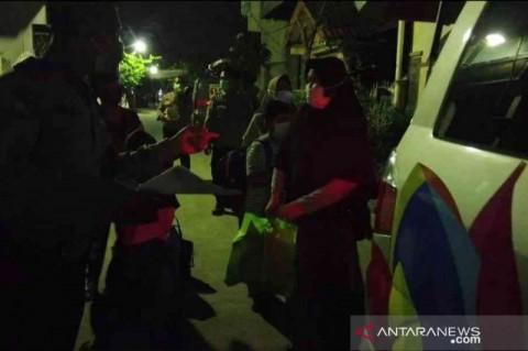 Ada Klaster Pernikahan, Perumahan di Bekasi di <i>Lockdown</i>
